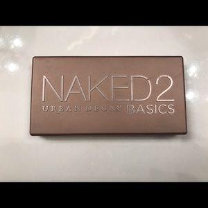 Urban Decay Naked Basics 2 eyeshadow palette